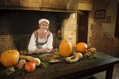 visite du Clos Lucé à Amboise avec Mathurine la cuisinière de Léonard de Vinci