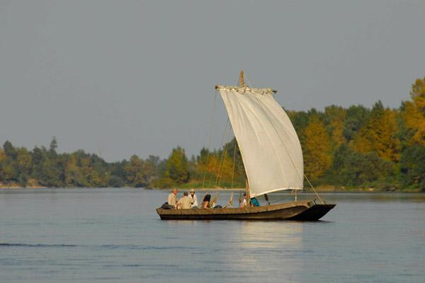 millière raboton homme de loire – Découverte de la Loire en bateau traditionnel