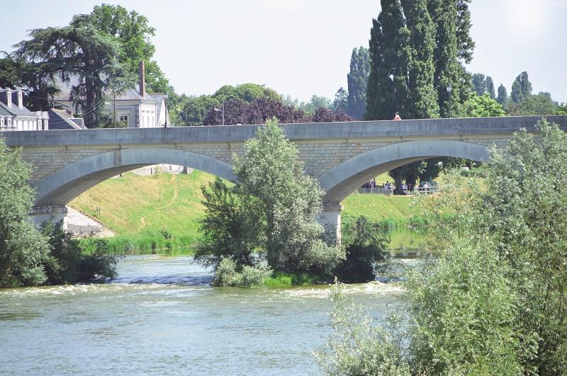 Balade-flanerie-C-a-Amboise—credit-Ville-d-Amboise-