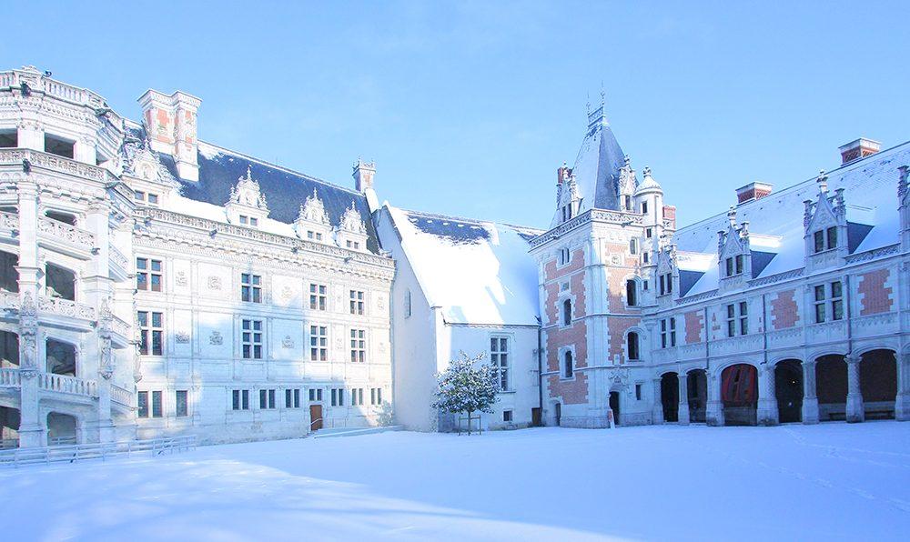 Noël au château royal de Blois sous la neige